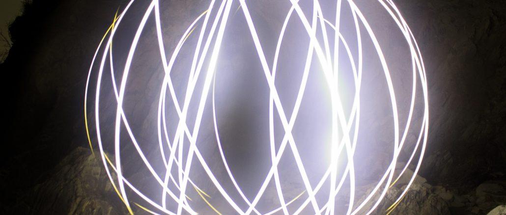light-1272254_1920